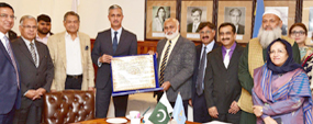 PU VC offers scholarship for Tajik students